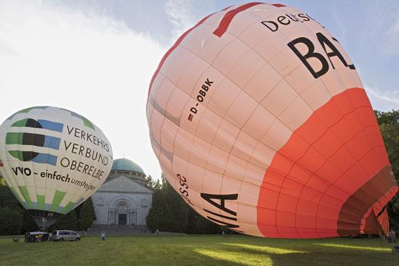 Heissluftballons-vor-dem-Ma