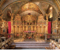 Vergoldete pompöse Schlosskapelle mit Blick auf den Altar